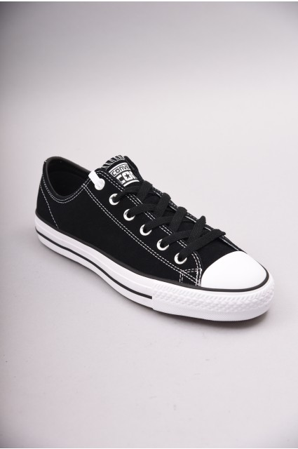 converse skate shoes